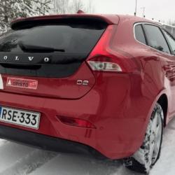 Volvo V40 D2 2015 (takaapäin)