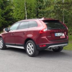Volvo XC60 (takaapäin)