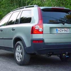 Volvo XC90 (takaapäin)